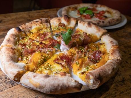 Gourmet pumpkin cream pizza-Restaurant Hotel alla Fonte-Arta Terme-Carnia