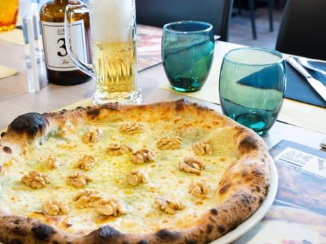 Pizza, 4 cheeses and walnuts-Restaurant Hotel alla Fonte-Arta Terme-Carnia