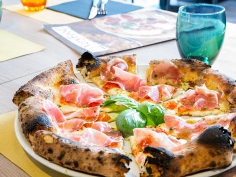 Pizza gourmet Regina with capocollo-Restaurant Hotel alla Fonte-Arta Terme-Carnia